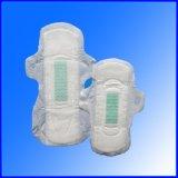 夜および日の綿の衛生パッドのための使用