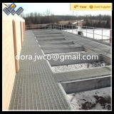 水処理設備のプラットホームの格子