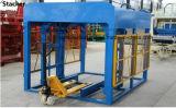 Machine de fabrication de brique de verrouillage de Qt4-15b, machine à paver faisant la machine, bloc creux de la colle faisant la machine
