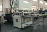 4コラムの油圧ペーパーロール型抜き機械