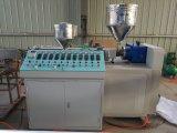 Drei Farben-Trinkhalm, der Maschine herstellt