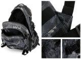 3D tácticos impermeabilizan el morral del camuflaje que acampa yendo de excursión la mochila militar