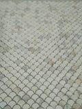 Der neueste fächerförmige Ankunft Calacatta Goldmarmor Fisch-Stufen Mosaik-Fliese ein