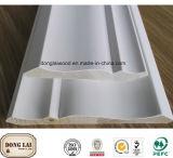 Modanatura di legno decorativo del soffitto