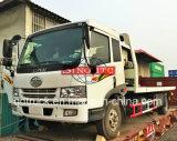 FAWのレッカー車の持ち上がるトラック、4X2回復トラックによって取付けられるクレーン