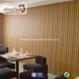 Tela de madeira composto de interior para decoração de loja de café
