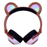かわいいパンダのブラウンカラーデザイン党のためのよい音質猫耳のヘッドホーン