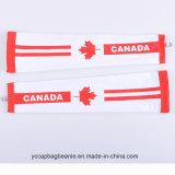 La bandierina del Canada mette in mostra il manicotto del braccio