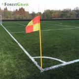 Друг от друга местах Зеленый и зеленый лайм искусственных травяных спорта