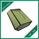 Un morceau de papier boîte cadeau avec fermeture magnétique