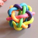 Sfere di gomma del giocattolo dell'animale domestico del multi Rainbow variopinto degli intervalli