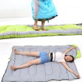 キャンプするプラシ天の寝袋の屋外旅行携帯用寝袋をハイキングする