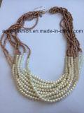 真珠およびビードの方法宝石類が付いているマルチ層のネックレス