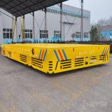 Carro del transporte en el suelo del cemento para la dirección de la industria