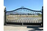 現代および高品質の錬鉄のゲート