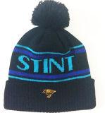 para mantener el sombrero caliente 100% acrílico / lana hombres del casquillo de la gorrita tejida y mujeres como de punto casquillo casquillos bordado