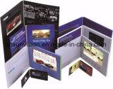 """ハードカバー5 """" LCDのパンフレットビジネスマーケティングのビデオ郵便利用者のカード"""