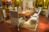 0066人のヨーロッパ人の旧式な寝室の家具の固体木の切り分けるダイニングテーブル