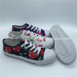 Hotsaleの花の印刷の子供の余暇は蹄鉄を打つ注入のズック靴(ZL1017-27)に