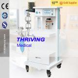 A máquina de anestesia médicos com equipamentos hospitalares do Carrinho