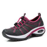 Chaussures uniques extérieures de hausse respirables d'unité centrale de chaussures de mode pour des femmes