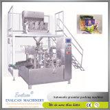 Machine remplissante de garniture d'empaquetage et du joint de micro-onde de sac commercial rotatoire automatique de maïs éclaté avec la plate-forme de travail