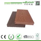 Étage profondément gravé en relief en bois antidérapage de Decking de Decking de la configuration WPC des graines 3D