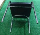 편리한 조정 기다리는 프리즘 패턴 백레스트와 시트 의자