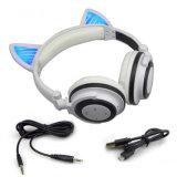 De hete Verkopende Hoofdtelefoons Draadloze Bluetooth van het Oor van de Kat van de Hoofdtelefoon van de Merknaam van de Douane met LEIDEN Licht