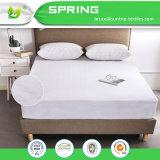 クイーンサイズのマットレスの保護装置のベッド・カバー100%の通気性の防水柔らかい綿