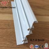 Los perfiles de aluminio blanco