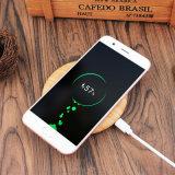 Cargador inalámbrico de madera para el iPhone o Samsung