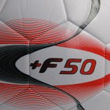 METÀ DI sfera di calcio livellata del gioco nel formato 5
