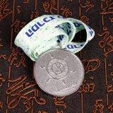 新型デザインフィートの円形浮彫りのリボンメダル