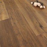 Pavimentazione solida lubrificata affumicata del legname del legno duro della quercia