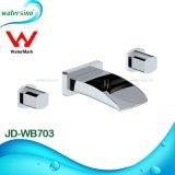 Длинней Faucets ванной комнаты Spout воды установленные стеной
