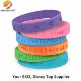 Wristbands llanos coloridos baratos del silicón con la impresión