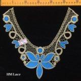 collier élégant de lacet de lacet bleu d'encolure de broderie d'or de 30*28cm pour les accessoires de vêtement Hme927