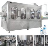 A água natural / fábrica de engarrafamento de água da Mola