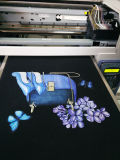 Impresora negra y oscura de materia textil, impresora de la camiseta
