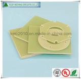 Torno Fr4/G10 que procesa la tarjeta de las piezas