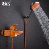 Chuveiro do projeto moderno/Faucet coloridos populares do banho com jogo do chuveiro