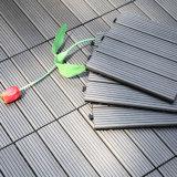 Le Decking composé en plastique en bois embarque le blocage facile de verrouillage chinois de poutrelle extérieure d'étage de tuiles de paquet