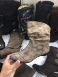 Ботинки женщины Stock для ботинок зимы