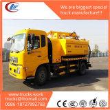 Dongfeng 4X2 8000litersの販売のための液体の下水道タンクトラック