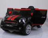 giro elettrico dei capretti 12V sul giocattolo dell'automobile