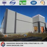 Workshop de Estrutura de aço leve com fachada moderna