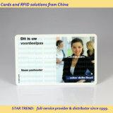 O cartão de identificação de plástico com tarjas magnéticas de estudante para identificação da imagem