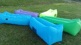 Het luie Nylon Vouwbare Opblaasbare Bed van de Bank van de Slaap van de Lucht voor het Kamperen (C227)