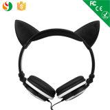 Form auf den Ohr-kundenspezifischen Kopfhörern Stereo